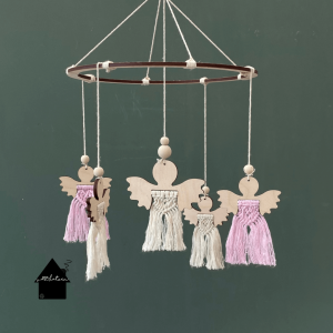 houten mobiel met engeltjes