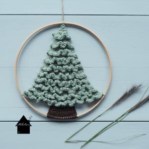 gehaakte kerstboom in ronde ring